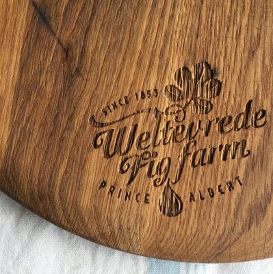 Jack-Russell-Design-Weltevrede-Fig-Farm-logo-bread-board